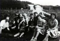 joodsommen  Joodse familie van der Hoek in een doorgangskamp (1942)